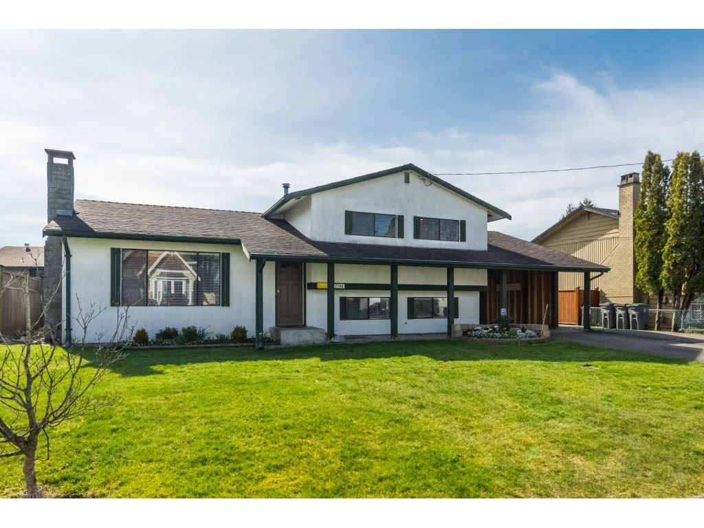 Main Photo: 17796 59 AVENUE in : Cloverdale BC House for sale : MLS®# R2246356