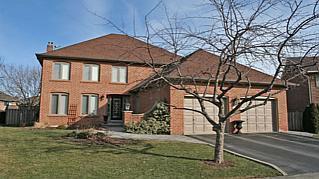 Main Photo: 512 PIPERS GREEN in : 1007 - GA Glen Abbey FRH for sale (Oakville)  : MLS®# OM1071991