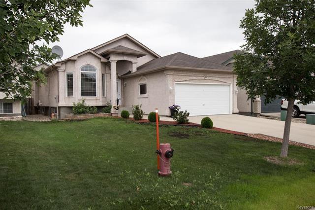Main Photo: 19 Pentonville: Residential for sale (2F)  : MLS®# 1818743