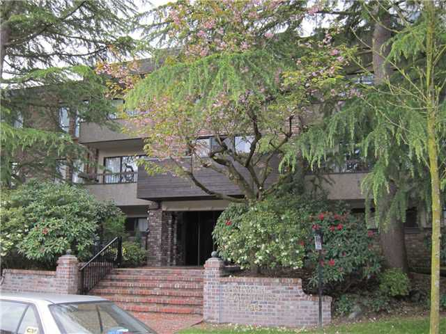 "Main Photo: 207 1266 W 13TH Avenue in Vancouver: Fairview VW Condo for sale in ""LANDMARK SHAUGHNESSY"" (Vancouver West)  : MLS®# V953200"