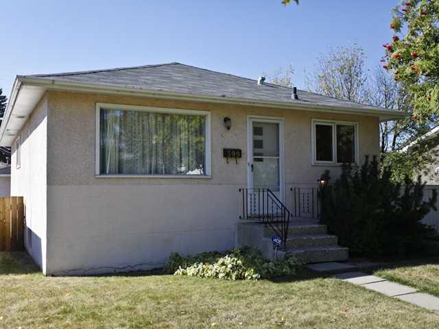 Main Photo: 399 ACADIA Drive SE in CALGARY: Acadia Residential Detached Single Family for sale (Calgary)  : MLS®# C3540754