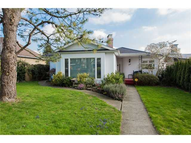Main Photo: 1924 London Street in New Westminster: West End NW House for sale : MLS®# V1107426
