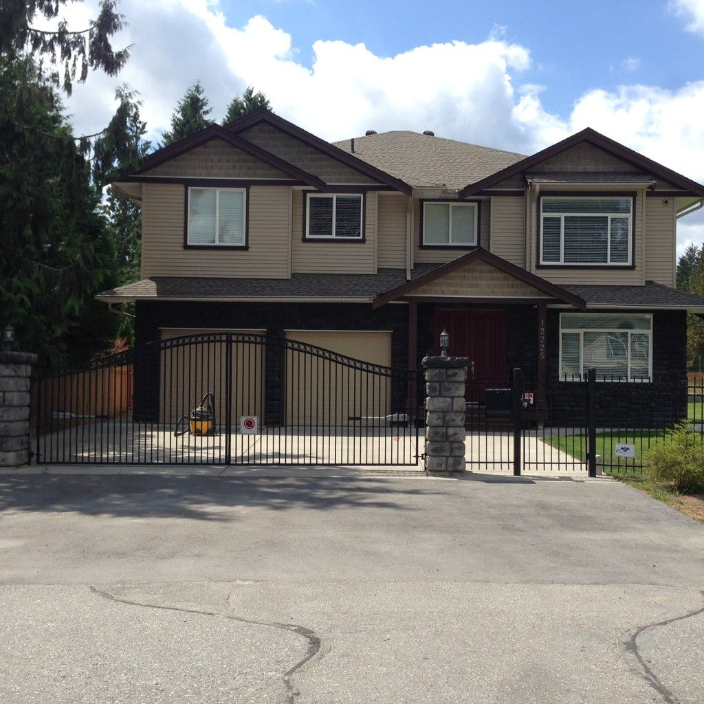 Main Photo: 12225 250 in Maple Ridge: House for sale