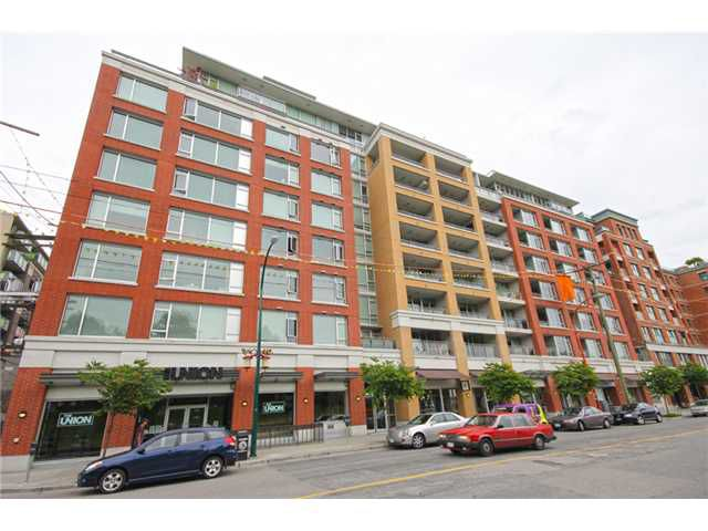 "Main Photo: 211 221 UNION Street in Vancouver: Mount Pleasant VE Condo for sale in ""V6A"" (Vancouver East)  : MLS®# V1014212"