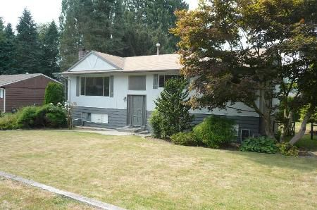 Main Photo: Fort Langley Family Home