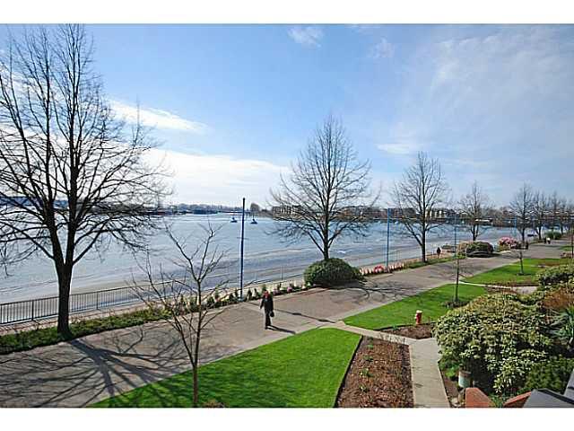 Main Photo: # 208 12 K DE K CT in New Westminster: Quay Condo for sale : MLS®# V1127727