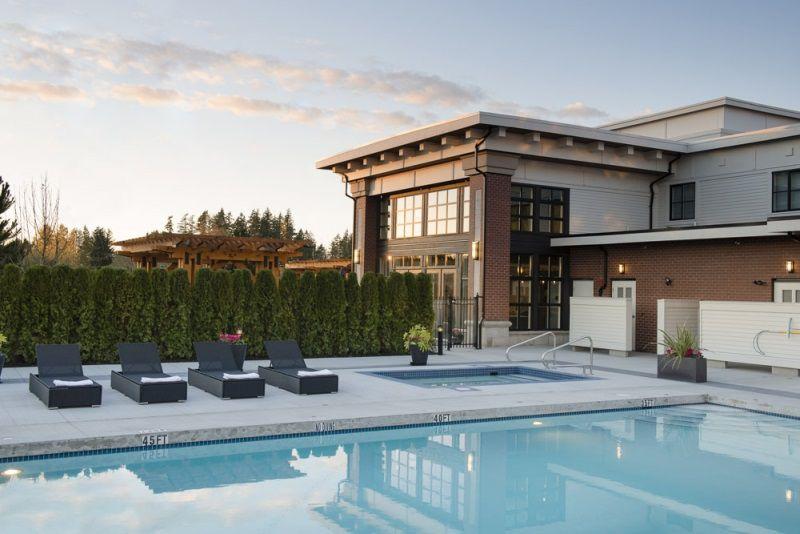 Main Photo: 422 15138 34 AVENUE in Surrey: Morgan Creek Condo for sale (South Surrey White Rock)  : MLS®# R2148423
