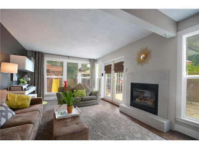 "Main Photo: 970 BIRCHBROOK Place in Coquitlam: Meadow Brook House for sale in ""MEADOWBROOK"" : MLS®# V954176"