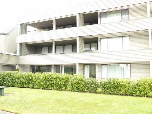 """Main Photo: # 208 15272 19TH AV in Surrey: King George Corridor Condo for sale in """"PARKVIEW"""" (South Surrey White Rock)  : MLS®# F1301709"""