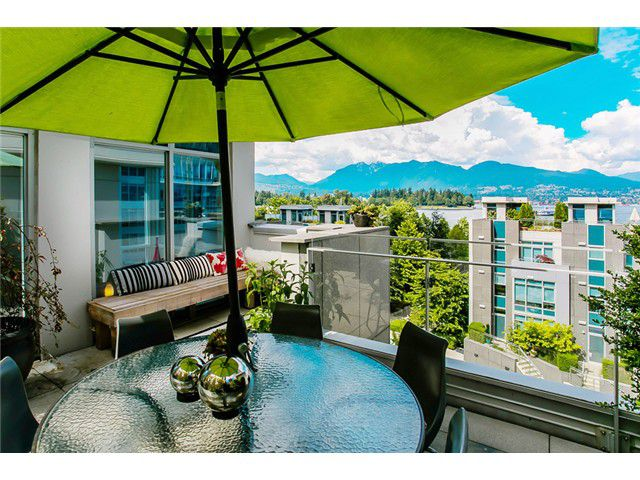 "Main Photo: TH1 1233 W CORDOVA Street in Vancouver: Coal Harbour Townhouse for sale in ""CARINA"" (Vancouver West)  : MLS®# V1016857"