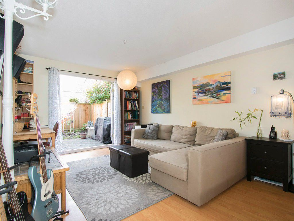 Photo 4: Photos: 104 1099 E BROADWAY in Vancouver: Mount Pleasant VE Condo for sale (Vancouver East)  : MLS®# R2159327