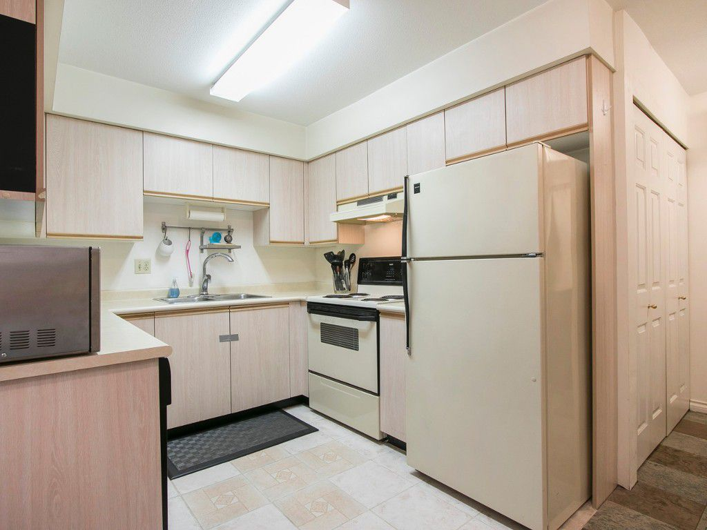 Photo 7: Photos: 104 1099 E BROADWAY in Vancouver: Mount Pleasant VE Condo for sale (Vancouver East)  : MLS®# R2159327