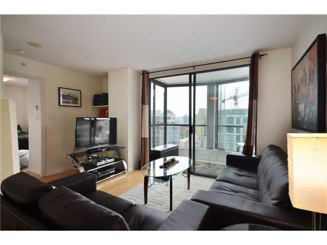 Living room looking towards solarium