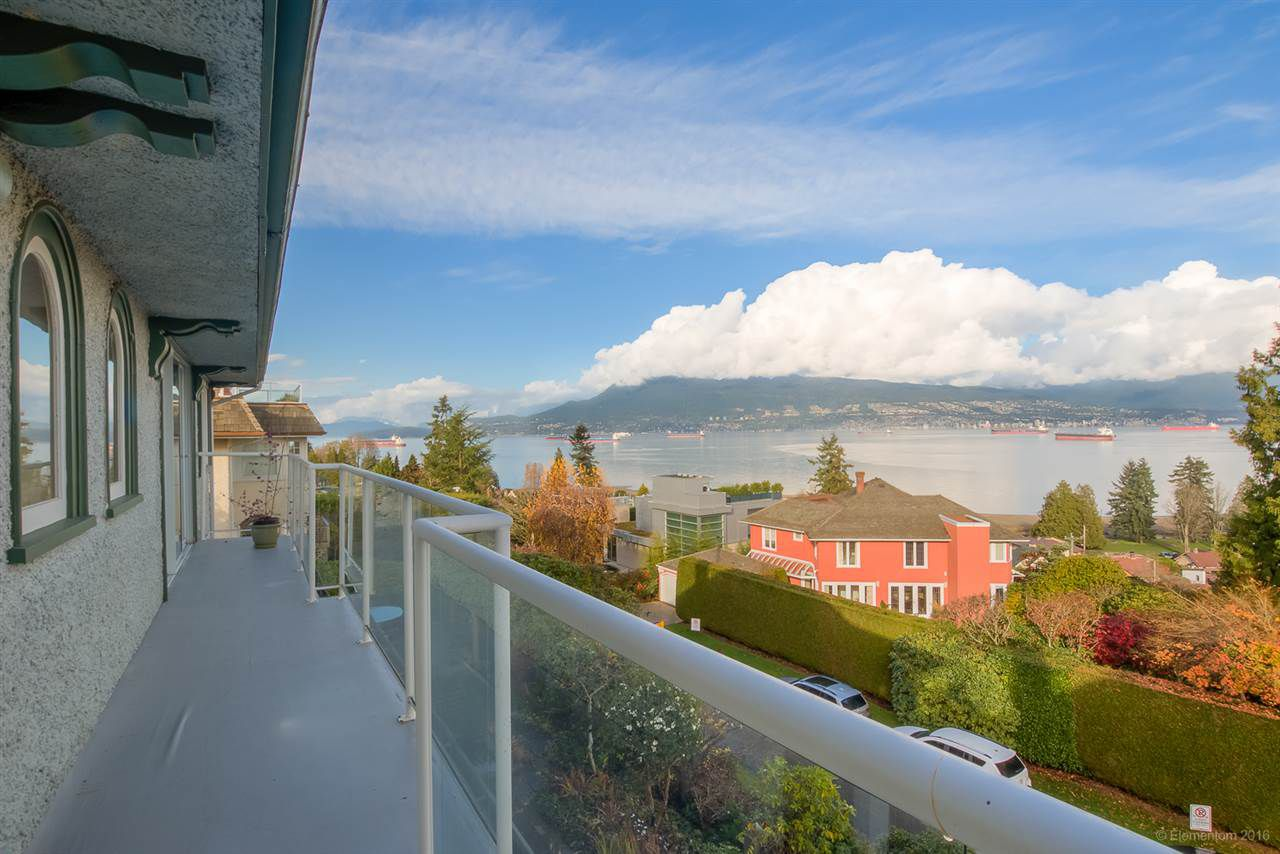 Main Photo: 4620 LANGARA AVENUE in Vancouver: Point Grey House for sale (Vancouver West)  : MLS®# R2123077