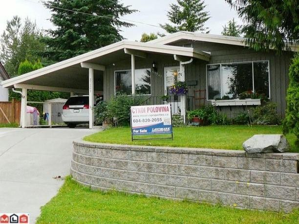 Main Photo: 33261 13TH Avenue in Mission: Mission BC House for sale : MLS®# F1216355