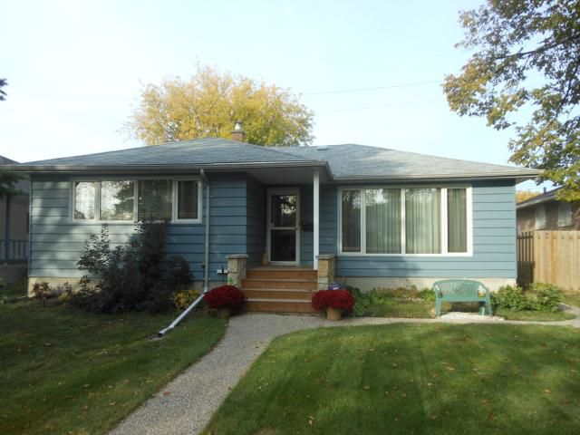 Main Photo: 911 Campbell Street in WINNIPEG: River Heights / Tuxedo / Linden Woods Residential for sale (South Winnipeg)  : MLS®# 1220287