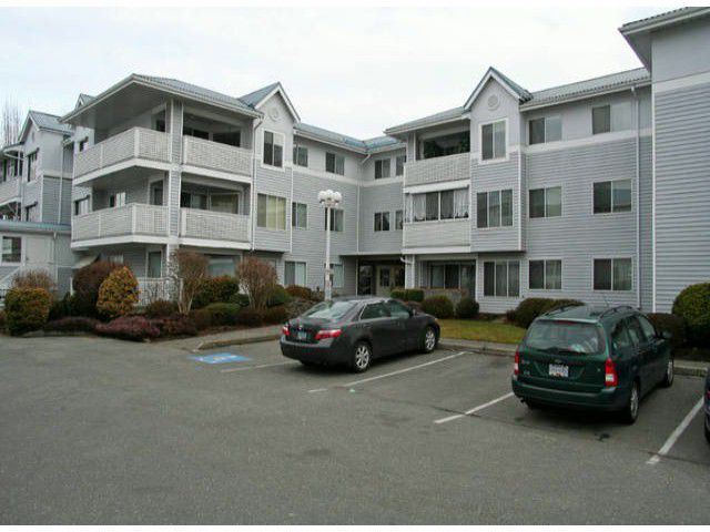 """Main Photo: 323 32853 LANDEAU Place in Abbotsford: Central Abbotsford Condo for sale in """"Park Place"""" : MLS®# F1300693"""