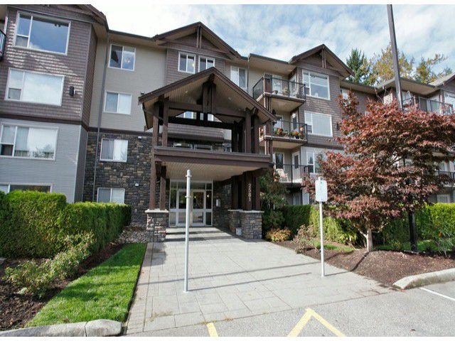 Main Photo: 205 2581 Langdon Street in Abbotsford, Abbotsford West: Condo for sale : MLS®# F1429477