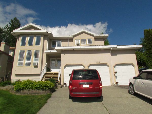 Main Photo: 35683 Timberlane Drive in Abbotsford: Abbotsford East House for rent