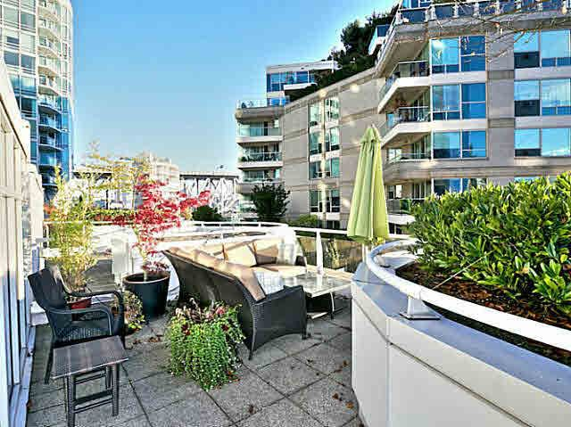 Main Photo: T5 1501 Howe Street in Vancovuer: Yaletown Townhouse for sale (Vancouver West)  : MLS®# V1087421