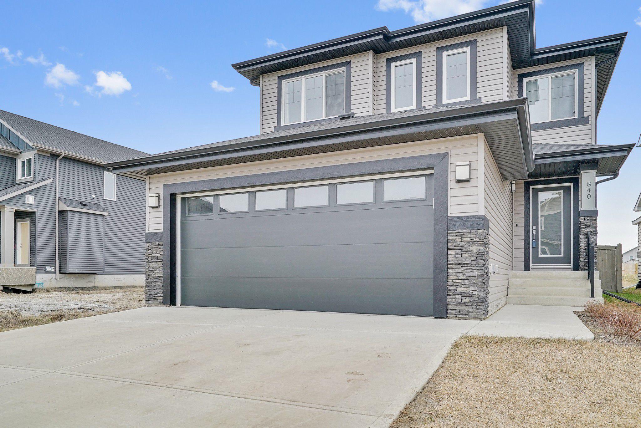 Main Photo: 840 Crystallina Nera Way NW in Edmonton: Crystallina Nera West House for sale : MLS®# E4152915