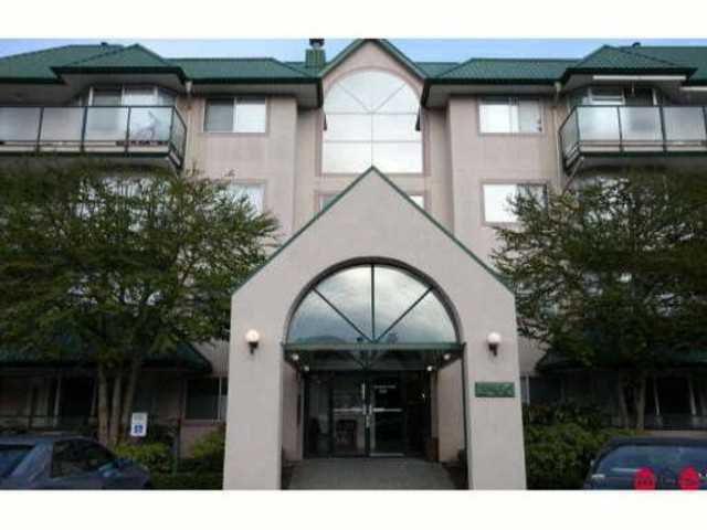 Main Photo: 105 2960 TRETHEWEY Street in ABBOTSFORD: Condo for sale : MLS®# F1311878