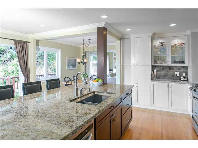 Photo 4: Photos: 4631 CEDARCREST AV in North Vancouver: Canyon Heights NV House for sale : MLS®# V1115330