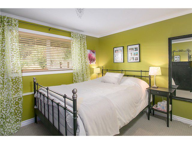 Photo 9: Photos: 4631 CEDARCREST AV in North Vancouver: Canyon Heights NV House for sale : MLS®# V1115330