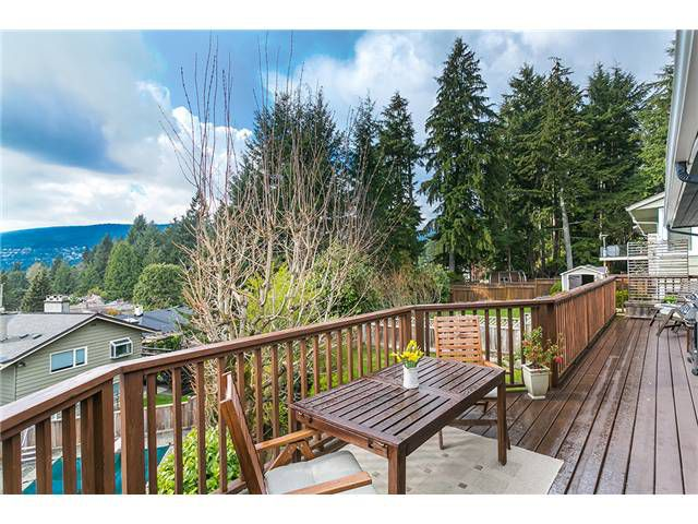 Photo 11: Photos: 4631 CEDARCREST AV in North Vancouver: Canyon Heights NV House for sale : MLS®# V1115330