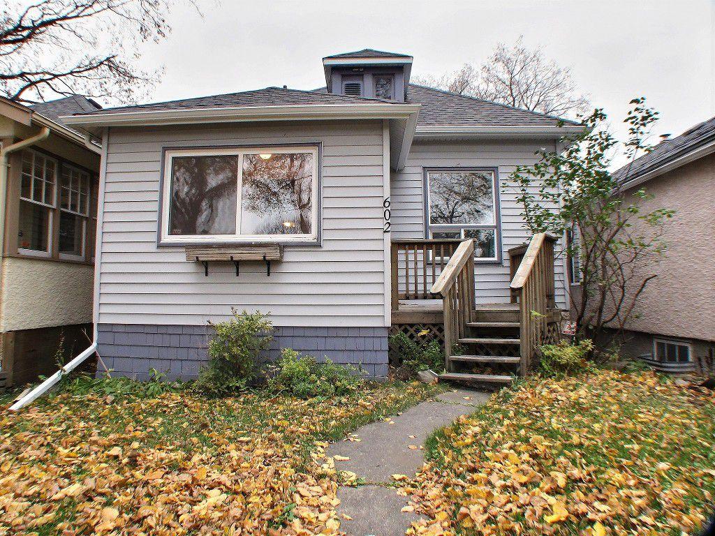 Main Photo: 602 Rosedale Avenue in Winnipeg: Lord Roberts Residential for sale (Winnipeg area)  : MLS®# 1528097