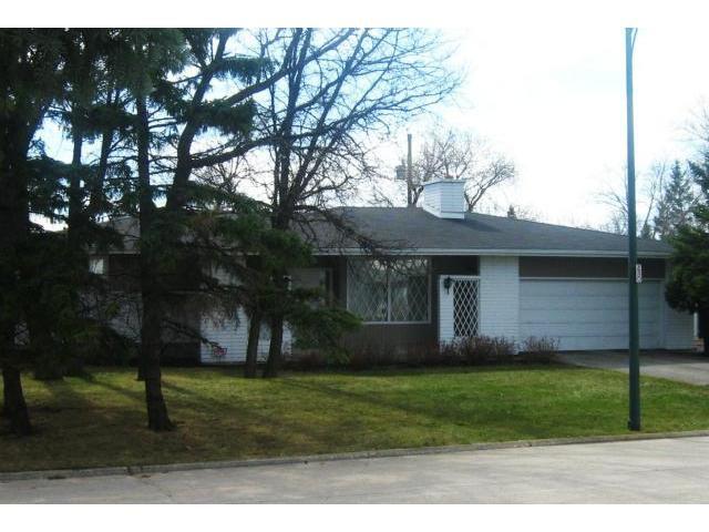 Main Photo: 20 Carlyle Bay in WINNIPEG: Westwood / Crestview Residential for sale (West Winnipeg)  : MLS®# 1205155