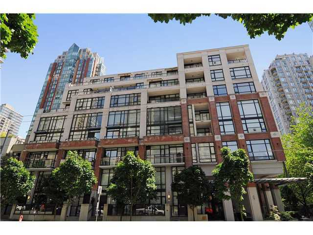 """Main Photo: 309 988 RICHARDS Street in Vancouver: Yaletown Condo for sale in """"TRIBECA"""" (Vancouver West)  : MLS®# V944907"""