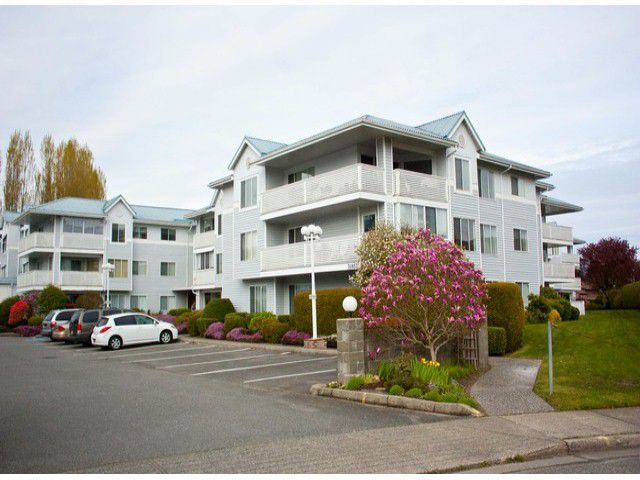 "Main Photo: 321 32853 LANDEAU Place in Abbotsford: Central Abbotsford Condo for sale in ""Park Place"" : MLS®# F1308955"