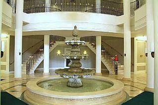 Main Photo: 25 25 Kingsbridge Garden Circle in Mississauga: Hurontario Condo for sale : MLS®# W2630746