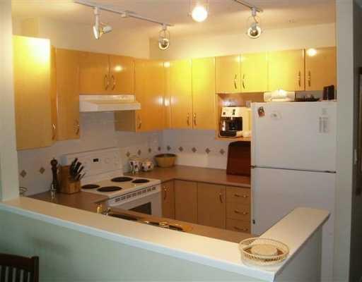 """Main Photo: 302 3083 W 4TH AV in Vancouver: Kitsilano Condo for sale in """"DELANO"""" (Vancouver West)  : MLS®# V603374"""