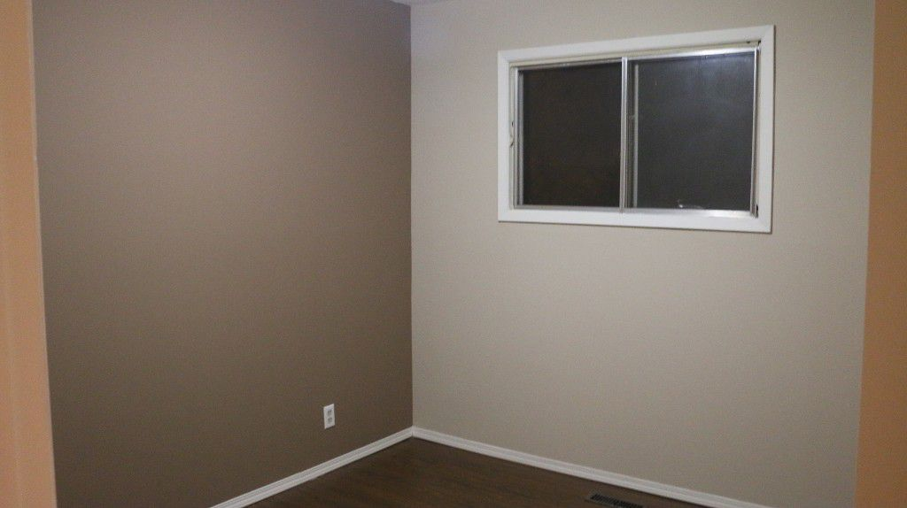 Photo 17: Photos: 767 Sheppard Street in Winnipeg: Single Family Attached for sale (Maples)  : MLS®# 1429333