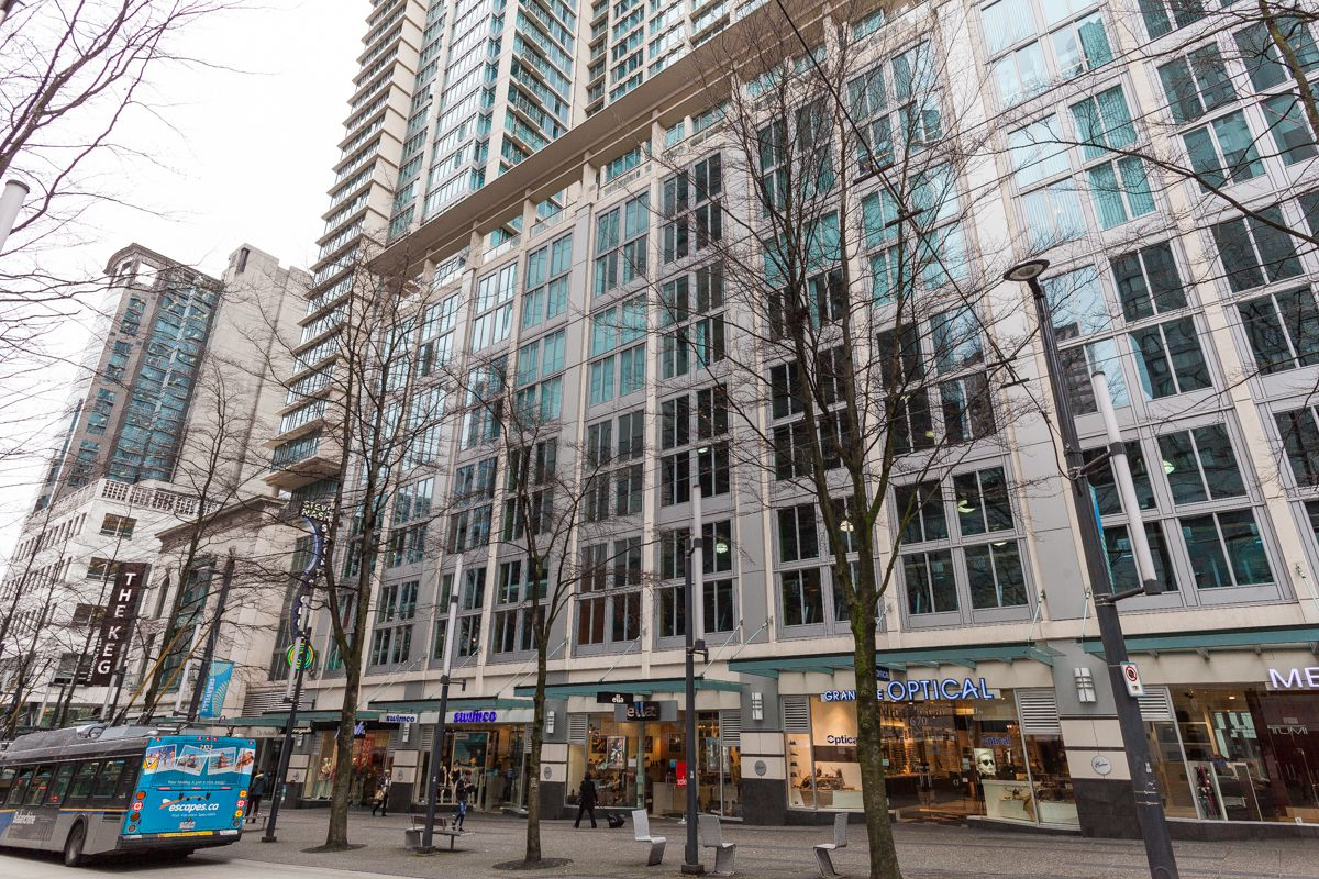 Main Photo: 610 Granville in Vancouver: Dwntown Condo for lease