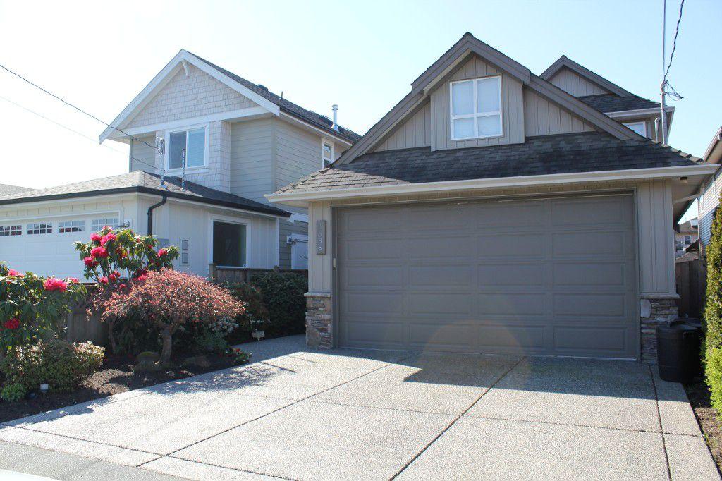 Main Photo: 3586 Pleasant Street in Richmond: Steveston Villlage House  : MLS®# V1001449