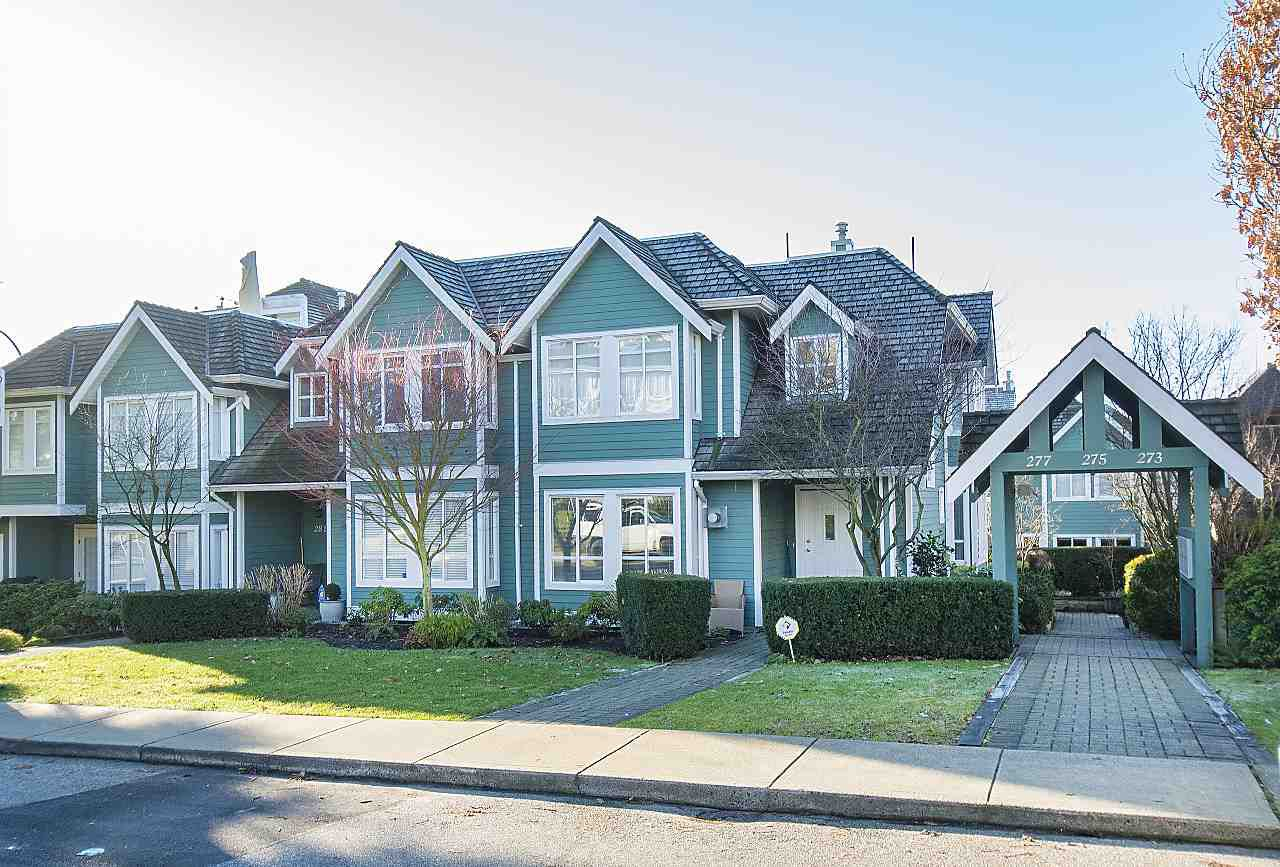 Main Photo: 275 E 5TH STREET in North Vancouver: Lower Lonsdale Townhouse for sale : MLS®# R2332474