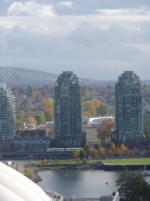 Photo 3: Photos: 2502 989 Beatty St in Vancouver: Yaletown Home for sale ()  : MLS®# v796500