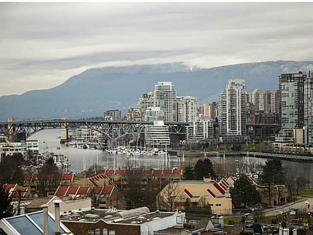 Main Photo: 301 933 W 8th Ave in Vancouver West: Fairview VW Condo for sale : MLS®# V1045299