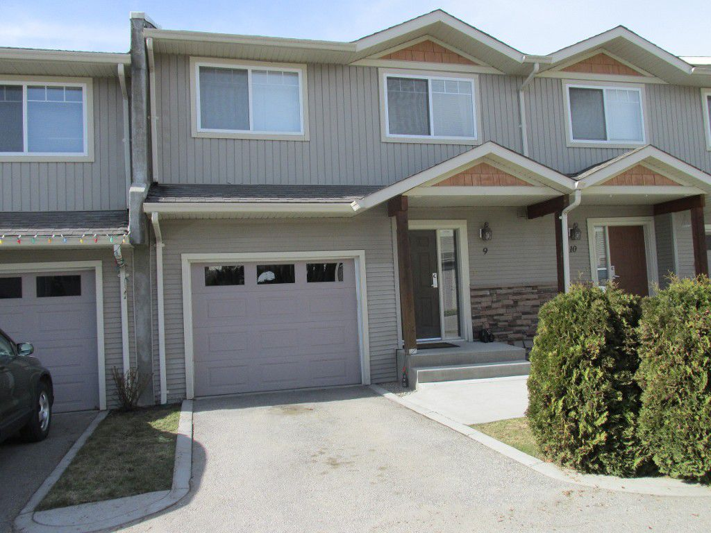 Main Photo: #9 2131 Scenic Road,Kelowna in Kelowna: North Glenmore Townhouse for sale (Central Okanagan)  : MLS®# 10095378