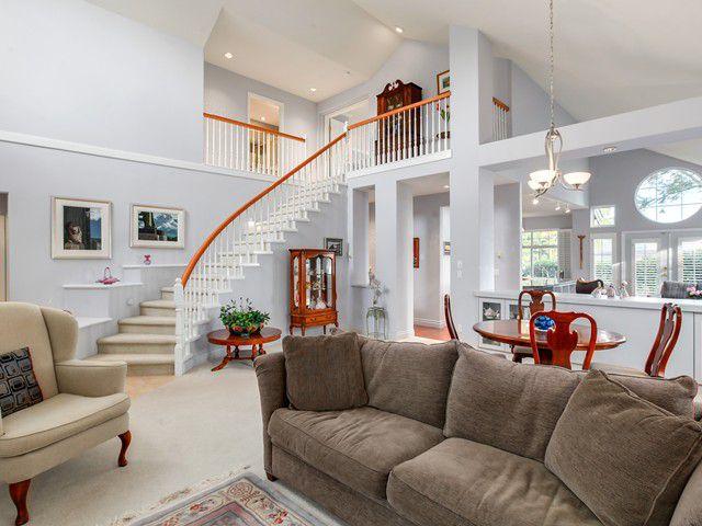 Main Photo: 2 5110 Alderfeild Place in West Vancouver: Upper Caulfeild House 1/2 Duplex for sale