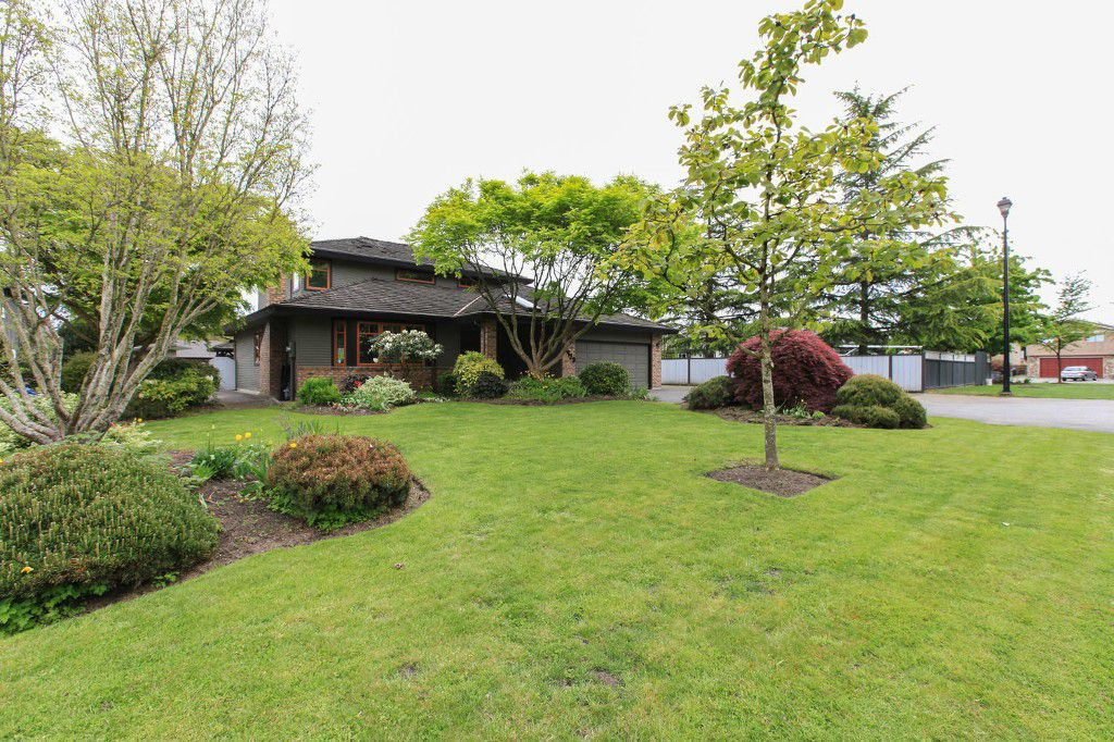 Main Photo: 15423 Kilkee Place in Surrey: Sullivan Station House for sale