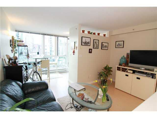 "Main Photo: 1101 1188 RICHARDS Street in Vancouver: Yaletown Condo for sale in ""PARK PLAZA"" (Vancouver West)  : MLS®# V994715"