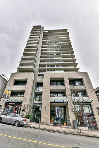 Main Photo: 301 39 SIXTH STREET in New Westminster: Downtown NW Condo for sale : MLS®# R2044508