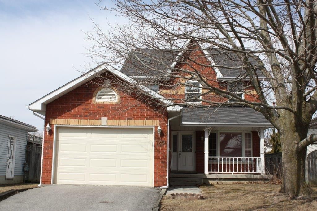 Main Photo: 125 Sutherland Cres in Cobourg: Residential Detached for sale : MLS®# 184109