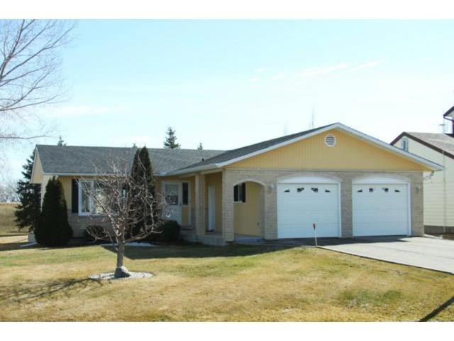 Main Photo: 279 Hebert Drive in STADOLPHE: Glenlea / Ste. Agathe / St. Adolphe / Grande Pointe / Ile des Chenes / Vermette / Niverville Residential for sale (Winnipeg area)  : MLS®# 1204529