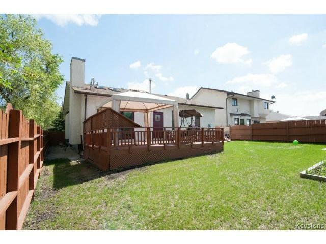 Photo 20: Photos: 3 Pekary Place in WINNIPEG: East Kildonan Single Family Detached for sale (North East Winnipeg)  : MLS®# 1412501