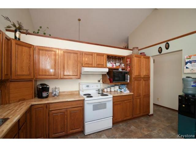 Photo 6: Photos: 3 Pekary Place in WINNIPEG: East Kildonan Single Family Detached for sale (North East Winnipeg)  : MLS®# 1412501